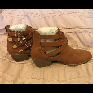 Buckled ankle boots nwot